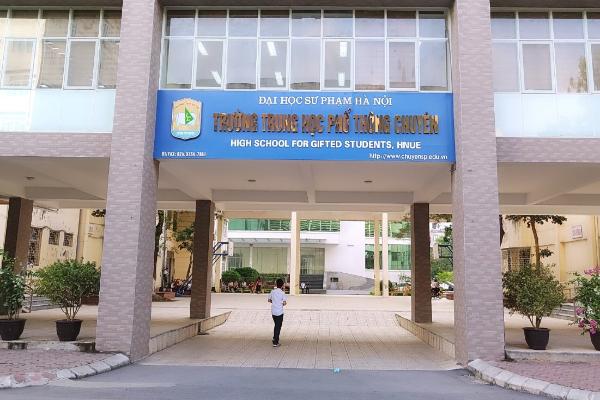 Trường THPT chuyên Đại học Sư phạm Hà Nội tạm hoãn kỳ thi vào lớp 10