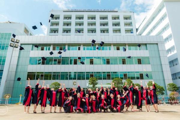 Học phí 1 năm trường Đại học Công nghệ TPHCM (Hutech) là bao nhiêu?