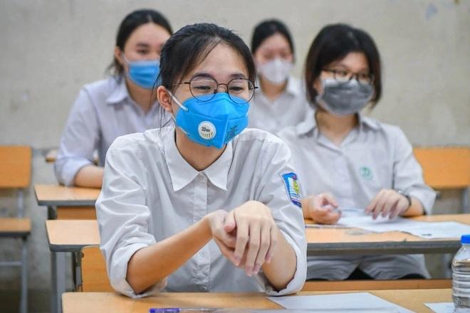 15 điểm khối D nên xét tuyển vào trường Đại học nào ở Hà Nội?