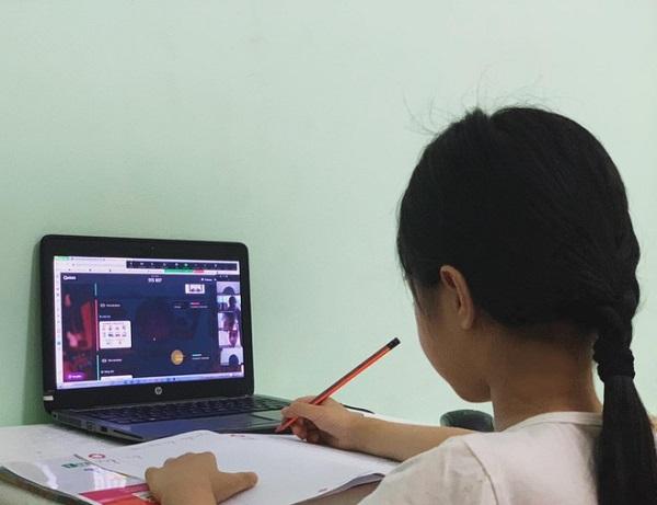 Hà Nội: Học sinh lớp 1 học trực tuyến online bắt đầu từ ngày 13/9