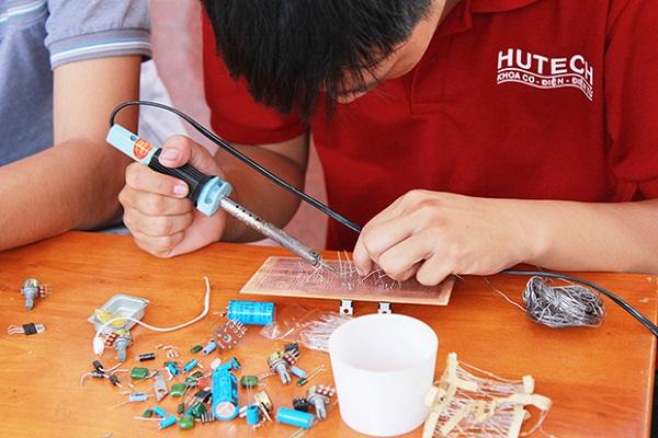 Ngành kỹ thuật cơ khí học trường nào tốt tại Hà Nội và TP Hồ Chí Minh