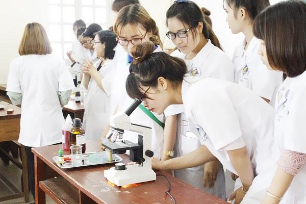 Đại học Y Dược TPHCM tuyển sinh sau đại học 2021